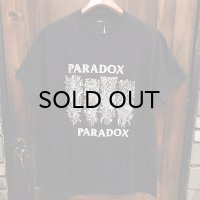 "{PARADOX} ""P-flag"" S/S T-SHIRTS / BLACK"